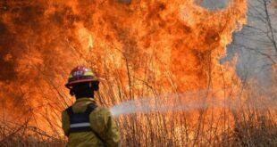 Siguen sin control los incendios en Córdoba: el fuego ya destruyó 20 mil hectáreas de las sierras