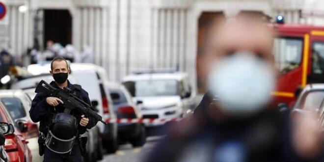 Ataque en Francia: Tres muertos en apuñalamientos de 'terroristas islamistas'