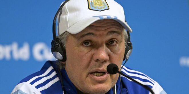 El ex DT de la Selección Argentina, Sabella fue internado de urgencia en una clínica capitalina
