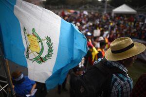 Indígenas bloquearon carreteras y pidieron la renuncia del presidente guatemalteco