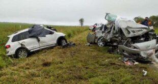 Tragedia en Córdoba: cuatro muertos y dos niños heridos por choque de autos