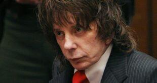 Murió el mítico productor musical Phil Spector, estaba preso por asesinato